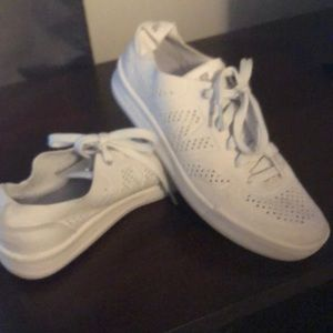Women's New Balance Casual Sneakers Slightly worm